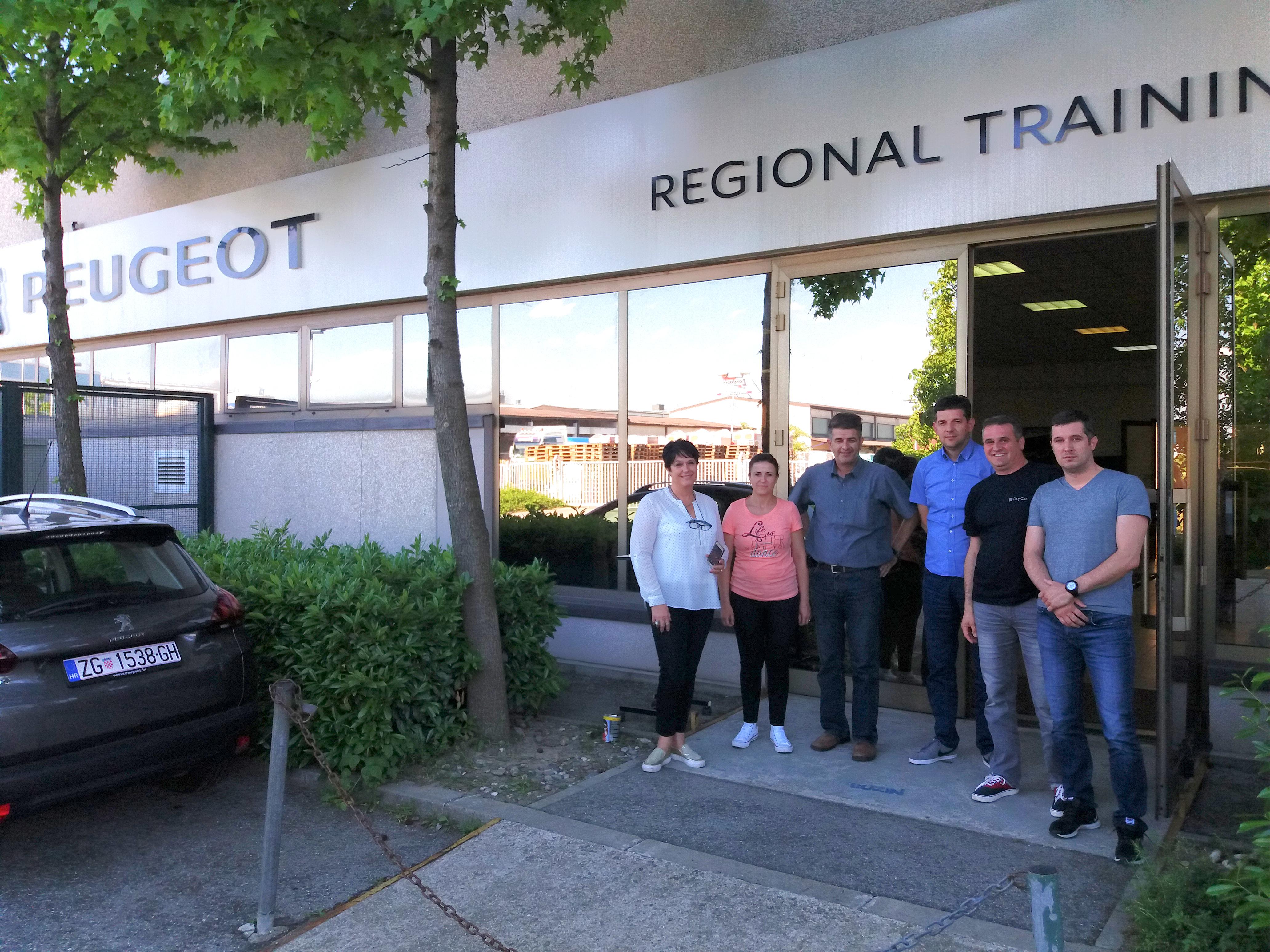 Продажниот тим на Еуроимпекс на обука во регионалниот тренинг центар на Peugeot во Загреб, Хрватска
